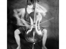 Мелани Джейн Фрей (Франция). Виолончель. Выставка амбротипии